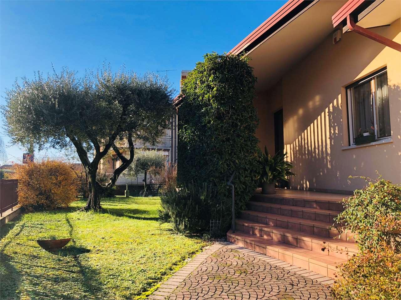 Pordenone Rorai Grande, Villa Singola con Giardino