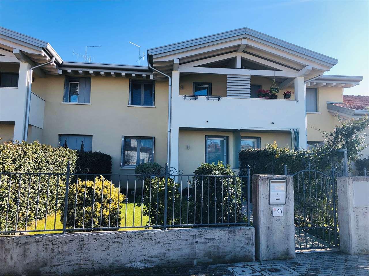 Pordenone, Villa a Schiera 3 Camere Classe A