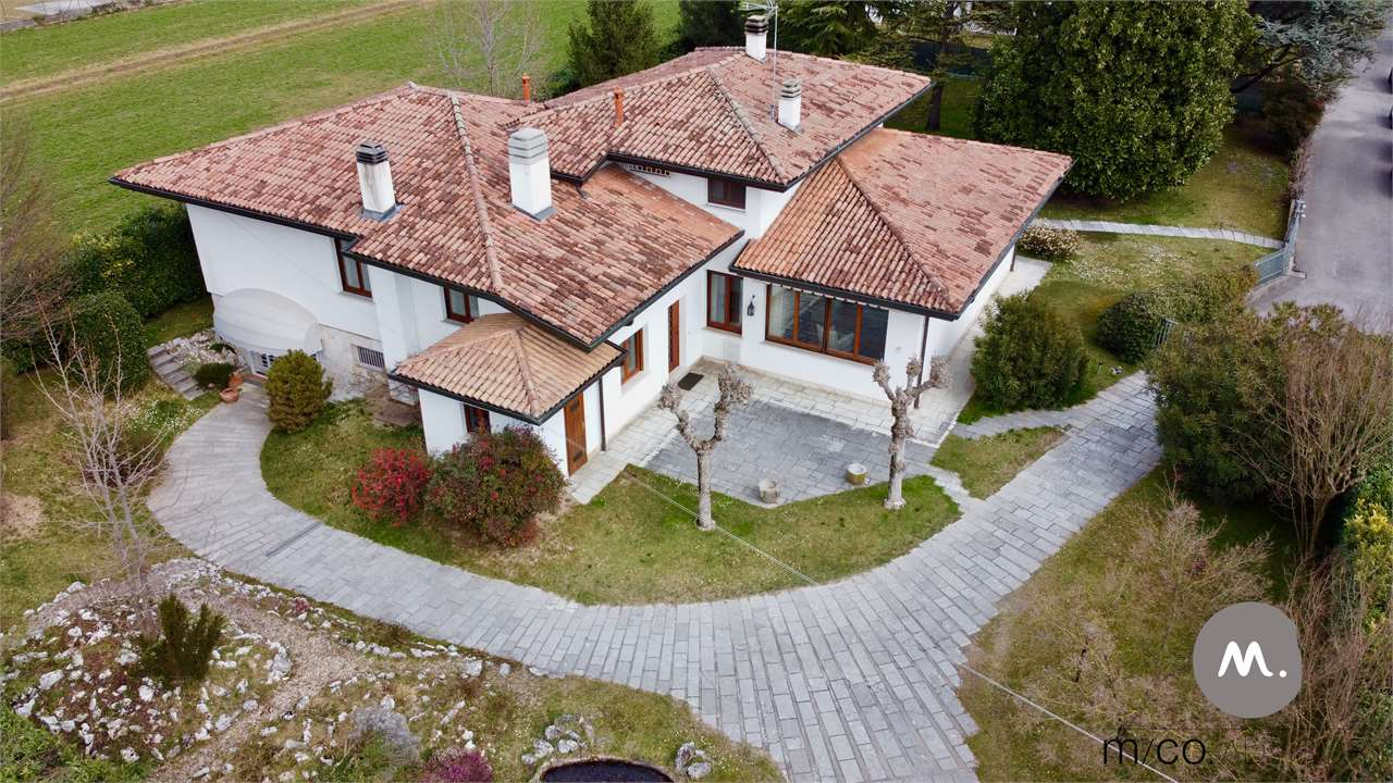 Pordenone, Prestigiosa Villa con Parco
